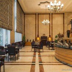 Отель Four Points by Sheraton Bur Dubai ОАЭ, Дубай - 1 отзыв об отеле, цены и фото номеров - забронировать отель Four Points by Sheraton Bur Dubai онлайн интерьер отеля