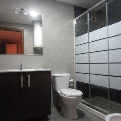 Отель Living Valencia Ayuntamiento Валенсия ванная