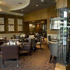 Отель Best Western Plus Chateau Granville Hotel & Suites Канада, Ванкувер - отзывы, цены и фото номеров - забронировать отель Best Western Plus Chateau Granville Hotel & Suites онлайн питание фото 3