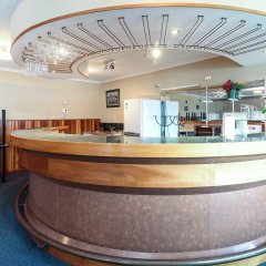 Отель Prince Motor Lodge бассейн