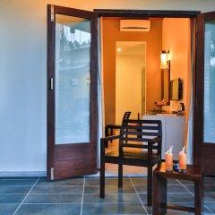 Отель Chaarya Resort & Spa by Chandrika балкон