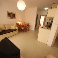 Апартаменты Menada Rainbow Apartments Солнечный берег комната для гостей фото 15
