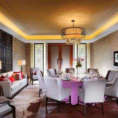 Отель Pullman Oceanview Sanya Bay Resort & Spa интерьер отеля фото 2