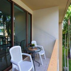 Отель Baan Sansuk Beachfront Condominium Таиланд, Хуахин - отзывы, цены и фото номеров - забронировать отель Baan Sansuk Beachfront Condominium онлайн балкон
