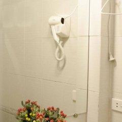 Отель Blue Moon Hotel Вьетнам, Ханой - 1 отзыв об отеле, цены и фото номеров - забронировать отель Blue Moon Hotel онлайн ванная