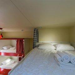 Гостиница HQ Hostelberry Кровать в общем номере двухъярусные кровати фото 25