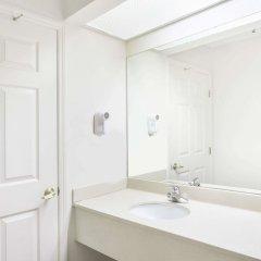 Отель Days Inn & Suites by Wyndham Huntsville США, Хантсвил - отзывы, цены и фото номеров - забронировать отель Days Inn & Suites by Wyndham Huntsville онлайн ванная