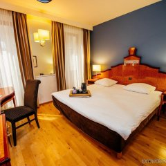 Hotel Hubert Grand Place Брюссель комната для гостей фото 2