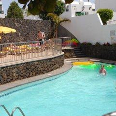 Отель Apartamentos Acuario Sol бассейн