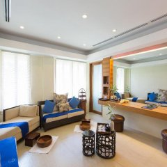 Отель Crimson Resort and Spa Mactan Филиппины, Лапу-Лапу - 1 отзыв об отеле, цены и фото номеров - забронировать отель Crimson Resort and Spa Mactan онлайн интерьер отеля фото 3