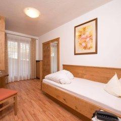 Отель Kronhof Италия, Горнолыжный курорт Ортлер - отзывы, цены и фото номеров - забронировать отель Kronhof онлайн комната для гостей