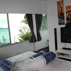Отель Karon Cliff Bungalows комната для гостей фото 3