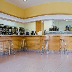 Отель Apartamentos Los Arces гостиничный бар