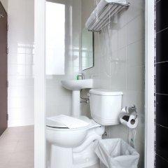 Отель D Varee Xpress Makkasan Таиланд, Бангкок - 1 отзыв об отеле, цены и фото номеров - забронировать отель D Varee Xpress Makkasan онлайн ванная