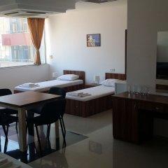 Отель Hostel Coral City Болгария, Солнечный берег - отзывы, цены и фото номеров - забронировать отель Hostel Coral City онлайн комната для гостей фото 4