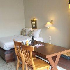 Отель Sino House Phuket Hotel Таиланд, Пхукет - отзывы, цены и фото номеров - забронировать отель Sino House Phuket Hotel онлайн комната для гостей фото 3