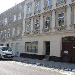 Апартаменты Debo Apartments Westbahnhof парковка