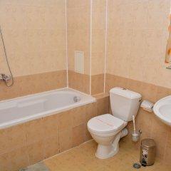 Отель Juli Болгария, Солнечный берег - отзывы, цены и фото номеров - забронировать отель Juli онлайн ванная фото 2