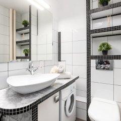 Отель Little Home - Black Swan Польша, Варшава - отзывы, цены и фото номеров - забронировать отель Little Home - Black Swan онлайн ванная фото 2