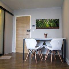 Отель Establiss By Weena Бангкок удобства в номере