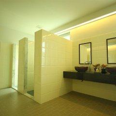 Отель Baan Dinso @ Ratchadamnoen Бангкок ванная