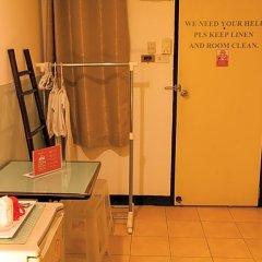 Отель ZEN Rooms Prathunam 17 удобства в номере фото 2