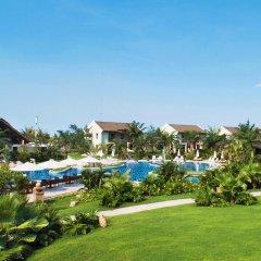 Отель Palm Garden Beach Resort And Spa Хойан бассейн