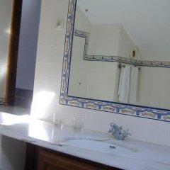 Отель Casa das Torres de Oliveira Португалия, Мезан-Фриу - отзывы, цены и фото номеров - забронировать отель Casa das Torres de Oliveira онлайн ванная