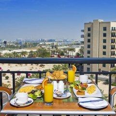 Отель Arabian Park Hotel ОАЭ, Дубай - 1 отзыв об отеле, цены и фото номеров - забронировать отель Arabian Park Hotel онлайн балкон