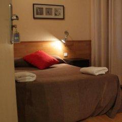 Отель Hostal Baires комната для гостей