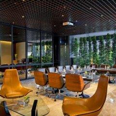 Отель Doubletree By Hilton Sukhumvit Бангкок интерьер отеля фото 3