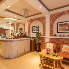 Отель Karon Sunshine Guesthouse & Bar интерьер отеля фото 2
