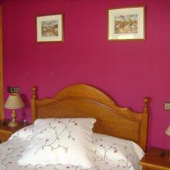 Отель Hostal Pirineos Ainsa Испания, Аинса - отзывы, цены и фото номеров - забронировать отель Hostal Pirineos Ainsa онлайн комната для гостей