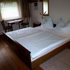 Отель Gastehaus Hubertus сейф в номере