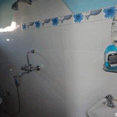 Отель Aarya Chaitya Inn Непал, Катманду - отзывы, цены и фото номеров - забронировать отель Aarya Chaitya Inn онлайн ванная