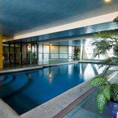 Отель Berjaya Makati Hotel Филиппины, Макати - отзывы, цены и фото номеров - забронировать отель Berjaya Makati Hotel онлайн бассейн фото 3
