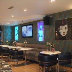 Отель Legends Hotel Великобритания, Кемптаун - отзывы, цены и фото номеров - забронировать отель Legends Hotel онлайн гостиничный бар