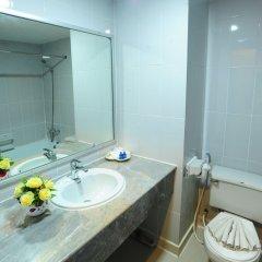 Отель Aunchaleena Grand Бангкок ванная фото 2