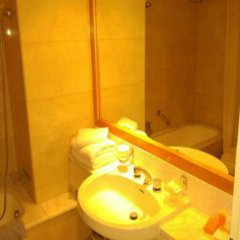 Athineon Hotel ванная