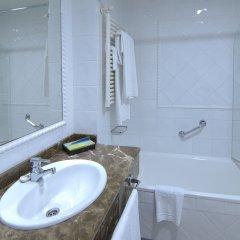 Отель Silken Rio Santander Испания, Сантандер - отзывы, цены и фото номеров - забронировать отель Silken Rio Santander онлайн ванная фото 2