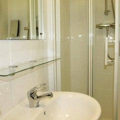 Отель Euro Hotel Clapham Великобритания, Лондон - отзывы, цены и фото номеров - забронировать отель Euro Hotel Clapham онлайн ванная