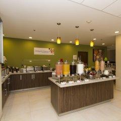 Отель Holiday Inn Express Guadalajara Aeropuerto питание фото 3