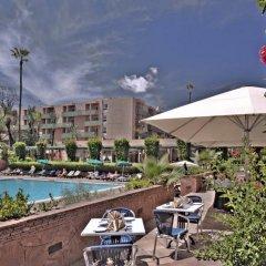 Отель Golden Tulip Farah Marrakech Марокко, Марракеш - 2 отзыва об отеле, цены и фото номеров - забронировать отель Golden Tulip Farah Marrakech онлайн бассейн фото 2