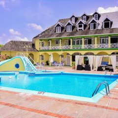 Отель Sandcastles Beach Resort бассейн