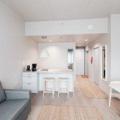 Отель Forenom ApartHotel Vantaa Tikkurila Финляндия, Вантаа - отзывы, цены и фото номеров - забронировать отель Forenom ApartHotel Vantaa Tikkurila онлайн комната для гостей фото 5