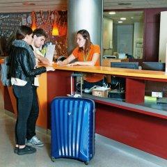 Отель Barcelona Pere Tarrés Hostel Испания, Барселона - 7 отзывов об отеле, цены и фото номеров - забронировать отель Barcelona Pere Tarrés Hostel онлайн интерьер отеля фото 3