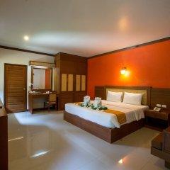 Отель Eco Lanta Hideaway Beach Resort Ланта сейф в номере