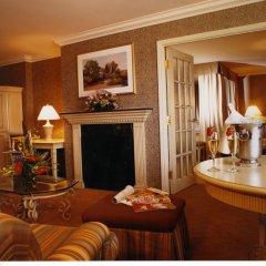 Отель Château Vaudreuil Hôtel & Suites Канада, Монреаль - отзывы, цены и фото номеров - забронировать отель Château Vaudreuil Hôtel & Suites онлайн интерьер отеля фото 2