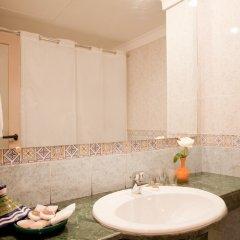 Отель Kenzi Azghor Марокко, Уарзазат - 1 отзыв об отеле, цены и фото номеров - забронировать отель Kenzi Azghor онлайн ванная фото 2