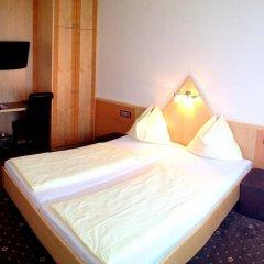 Hotel Drei Kreuz Зальцбург сейф в номере